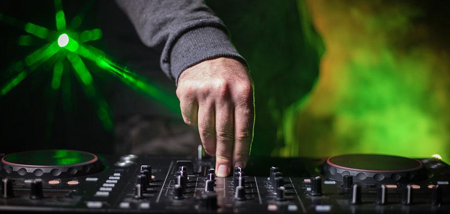 Hyra DJ i Stockholm
